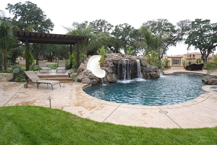 Outdoor Fun: Designing an Outdoor Home Theater Installation